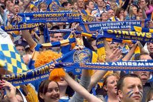 Shrewsbury-Town-fans.thumb