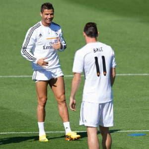 Cristiano-Ronaldo-130913-WithBale-G-300