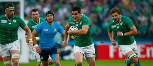 Ireland qualified for the quarter finals with victory over Italy