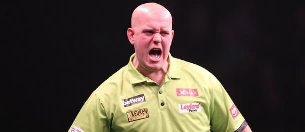 Michael van Gerwen has dropped just 3 legs on the way to the quarter final.