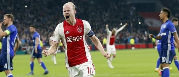 Ajax beat Schalke 2-0 in the quarter final first leg.