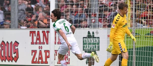 Bremen thumped Freiburg 5-2 over the weekend.
