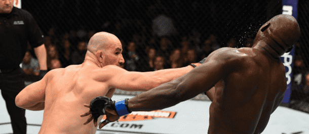 Glover Teixeira striking