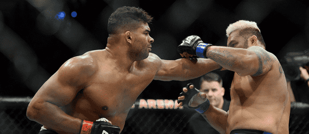 Alistair Overeem Lands a Solid Punch on Mark Hunt