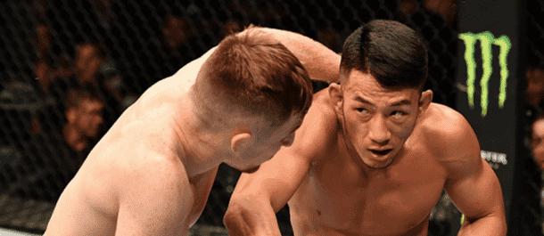Kwan Ho Kwak Struggled against Brett Johns