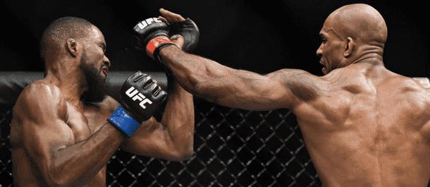 Jimi Manuwa strikes Corey Anderson