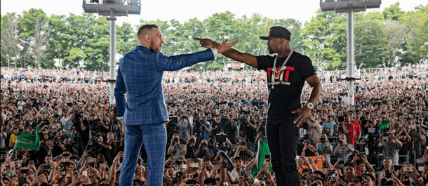 Floyd Mayweather vs Conor McGregor Toronto Staredown