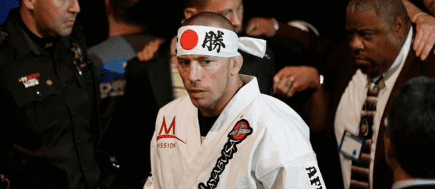 Georges St-Pierre turns at UFC 217 vs. Michael Bisping