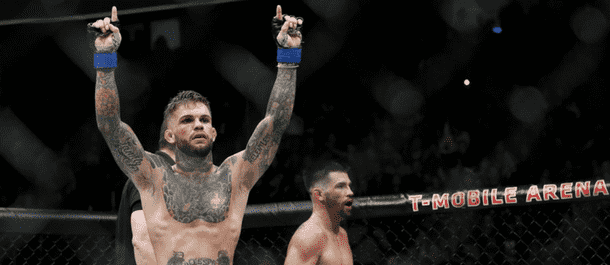 Cody Garbrandt defeats Dominick Cruz