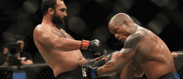 Johny Hendricks beats down Hector Lombard