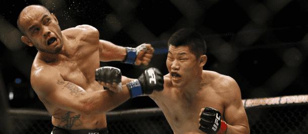 Jingliang Li smashes Frank Camacho