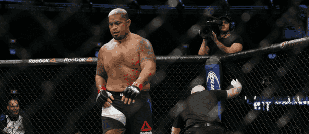 Mark Hunt defeats Derrick Lewis in New Zealand