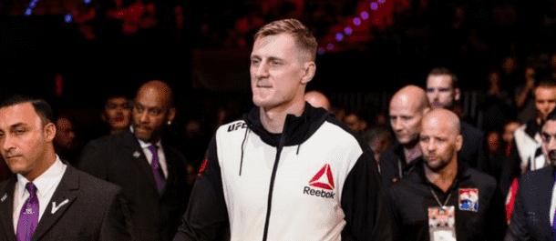 Alexander Volkov makes his UFC entrance