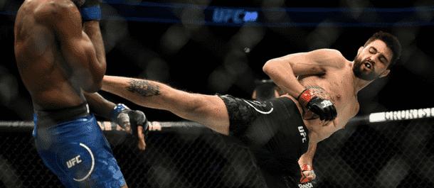 Carlos Condit kicks Neil Magny