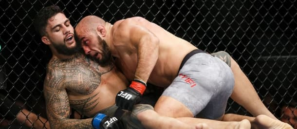 Ilir Latifi gets top position against Tyson Pedro in the UFC