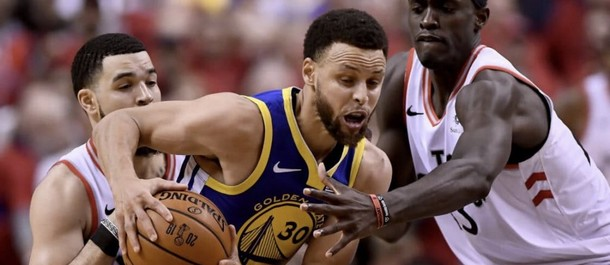 Curry could not carry the Warriors alone